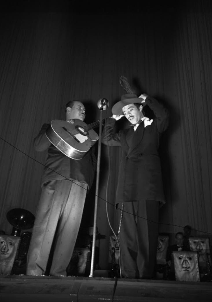 0026-SHO-W Tin Tan y Marcelo en el Patio, 1944 2