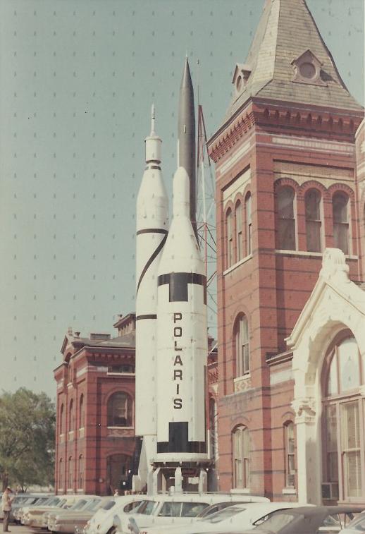 0012-TRA-W-Cohete Polaris