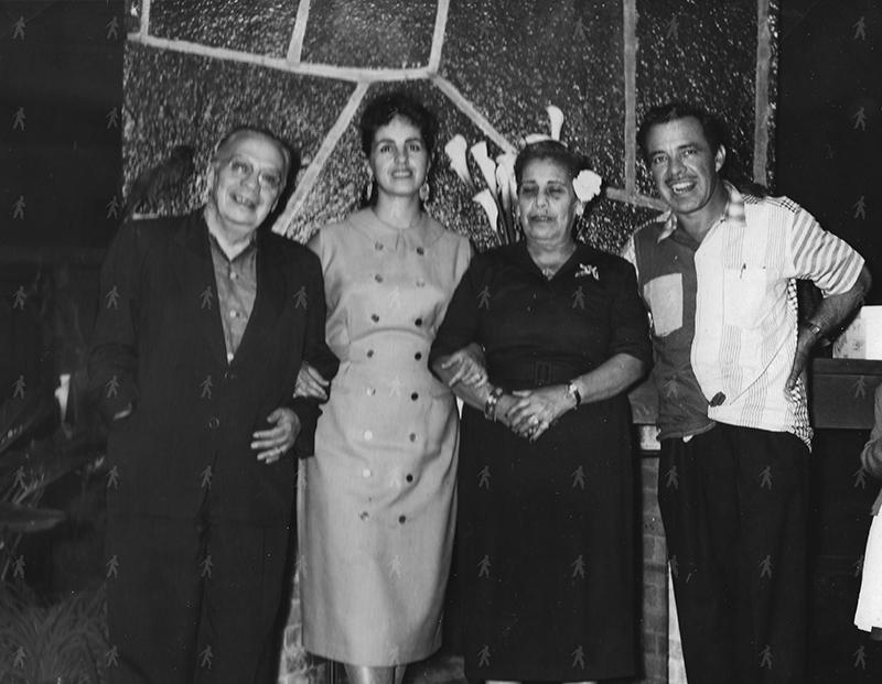 0086-FAM Tin Tan y Rosita con Don Rafael y Lupita – 1959
